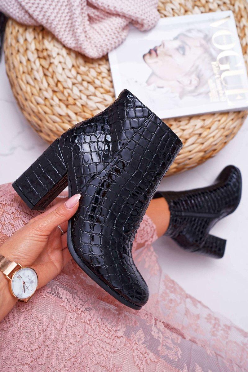 czarne botki w skore krokodyla