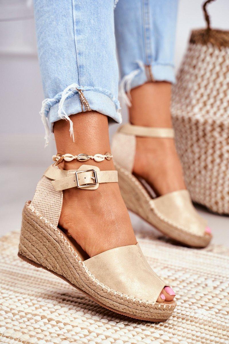 espadryle sandały na koturnie