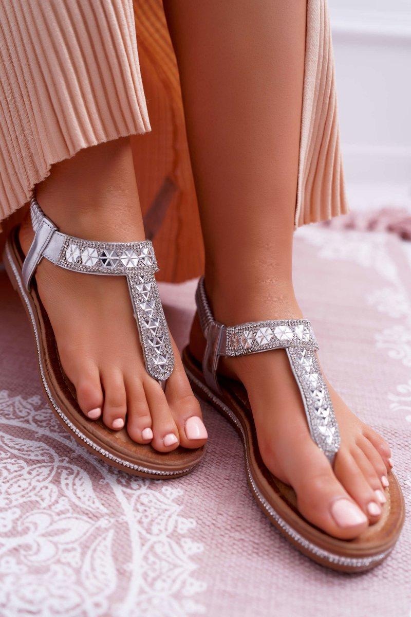 Sandały Damskie Płaskie Wsuwane Z Cyrkoniami Srebrne Satina